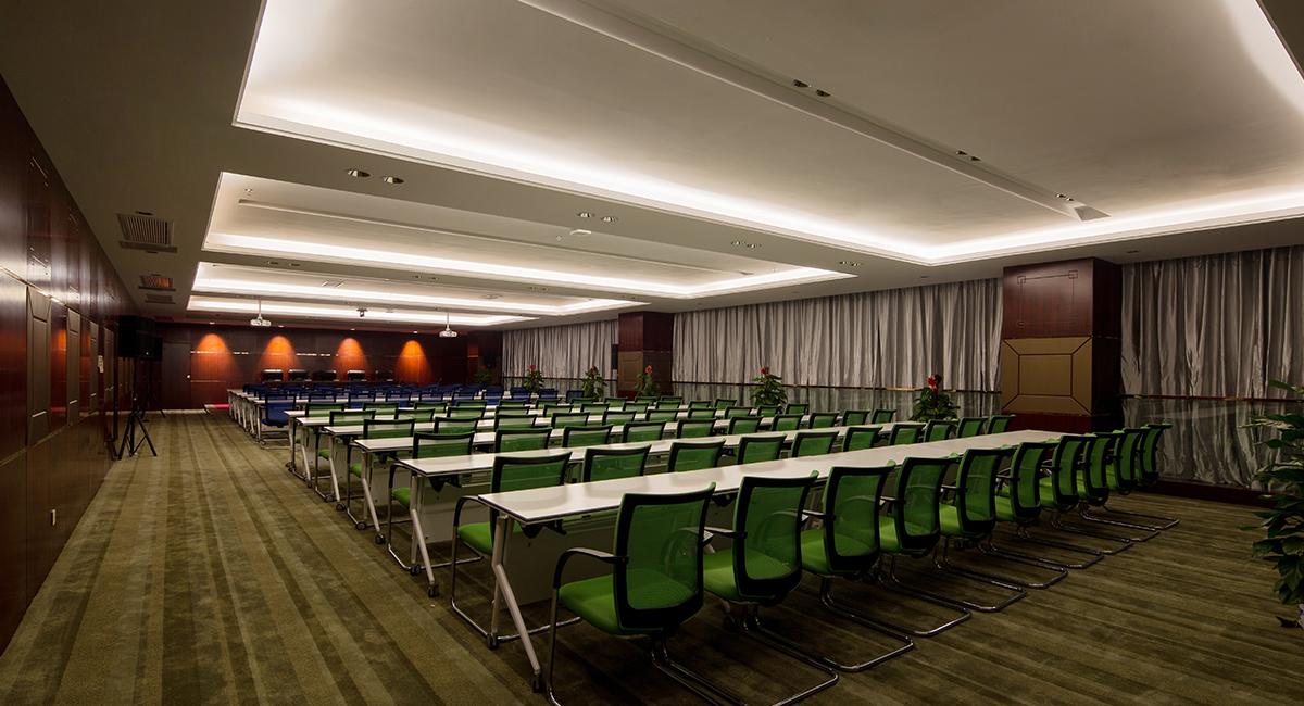 上海中心大厦最新照_欧普照明,用光创造看得见的经济价值,用光点亮高品质的舒适生活